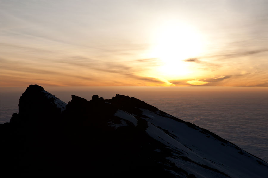 Sunrise at Stella Point (5745 m) - Climbing Kilimanjaro